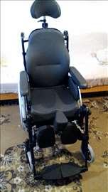 Prodajem jeftino opremu za invalide