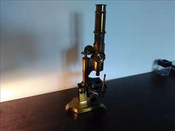 Stari mesingani mikroskop