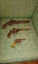 Prodajem antikvarno oružje