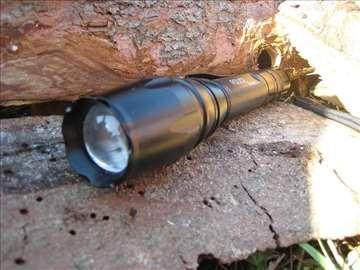 Baterijska Led Cree lampa Police 20000W