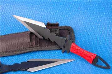Set noževa za gađanje