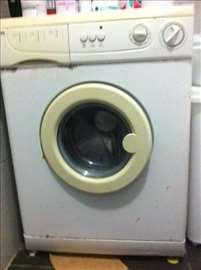 Na prodaju Elin mašina za pranje veša