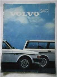 Prospekt Volvo 240, A 4, švedski,27  str.