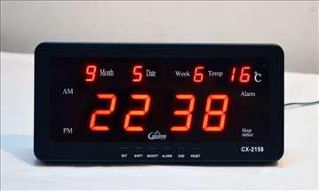 Digitalni LED sat sa alarmom