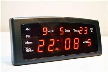 LED sat sa alarmom i termometrom