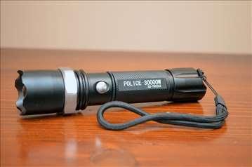 Police lampa 30000 W sa Q5 diodom