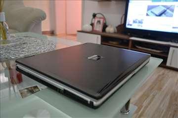 Fujitsu Lifebook S7110 - 2GB Ram. Odličan