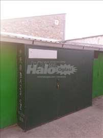 Prodajem garažu Bačka Palanka uži centar