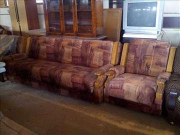 Prodajem krevete i fotelje Simpove