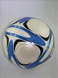 Veoma kvalitetna lopta m13