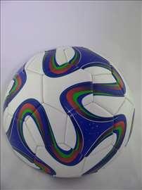 Veoma kvalitetna lopta m17