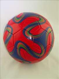 Veoma kvalitetna lopta m18