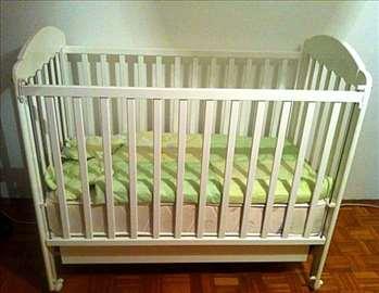 Beli krevetac za bebe - sa fiokom