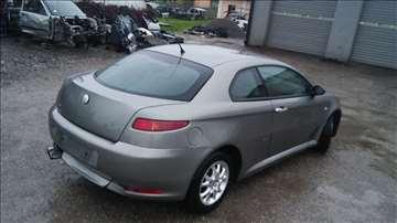Alfa GT delovi