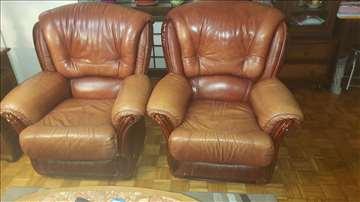 Prodajem kožnu garnituru, trosed i 2 fotelje