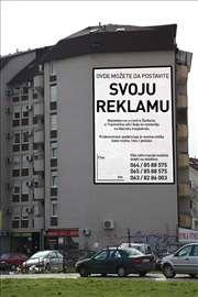 Stavljanje reklame na zgradu
