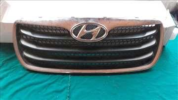 Hyundai Santa Fe prednja maska