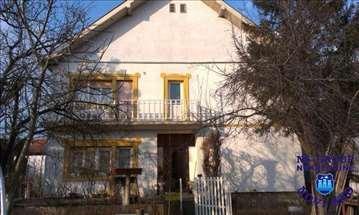 Vrbas, Centar, Kuća, 137m2
