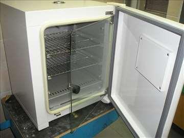 Inkubator 37C max (65C) sa rezolucijom 0.1C