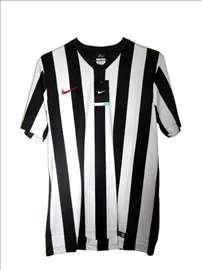 Nike sportski dres crno beli veličina M (Medium)