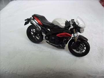 Motor: Burago Triumph Speed, 1:18, Kina,zabrljan
