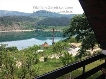 Zavojsko jezero, vikendica
