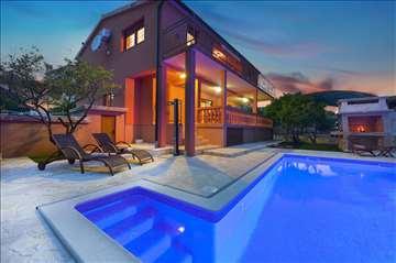 Hrvatsko primorije - luksuzna kuća sa bazenom
