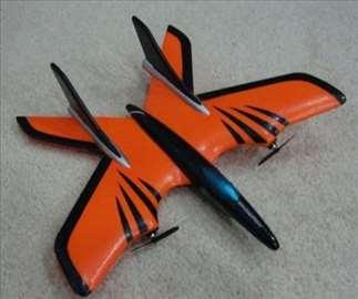 Avion na daljinsko upravljanje -X Fighte