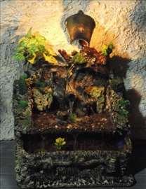 Sobna ukrasna fontana - staro deblo