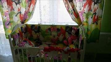 Ogradica za bebi krevetac