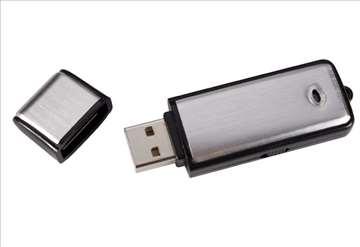 USB snimač / prisluškivač 8GB