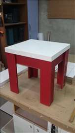 Akcija klub sto u crvenoj boji