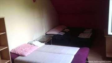 Sobe u blizini jezera