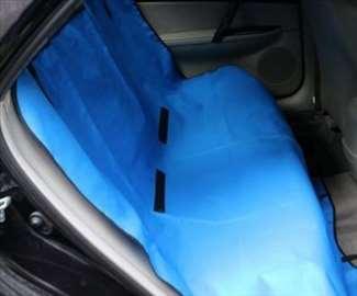 Pekrivač za sedišta za transport pasa