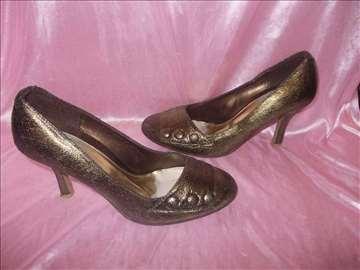 Bakarno - zlatne cipele