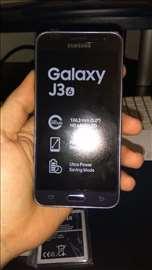 Samsung J3 2016 8gb/LTE (novo)