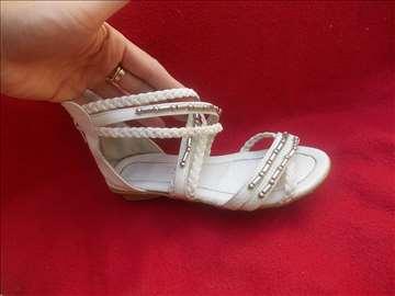 Sandale br. 34