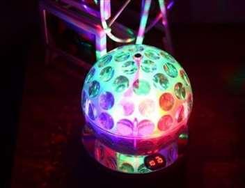 Rotirajuća LED disko kugla, MP3, radio