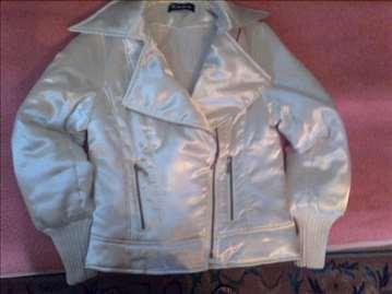 Bela ženska prolećna jaknica