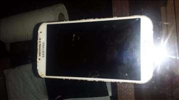 Prodajem Samsung S4