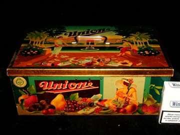 Limena kutija za slatkiše (365)