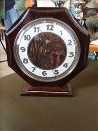 Stoni - komodni sat