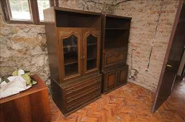 Plakar iz 3 dela - dvokrilni ormar, dve vitrine
