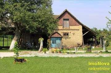 Obrenovac-Stubline-250m2+4.5ha pod zasadom oraha