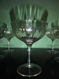 Šest starinskih čaša za šampanjac
