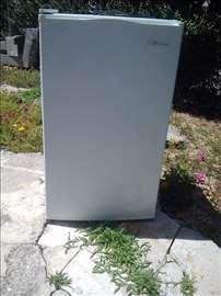 Prodajem frižider Midea - akcija