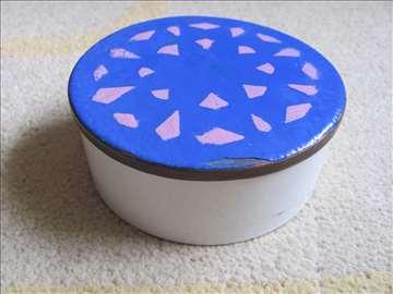 Porcelan kutijica
