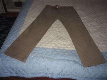 Nove somotne pantalone i farmerke