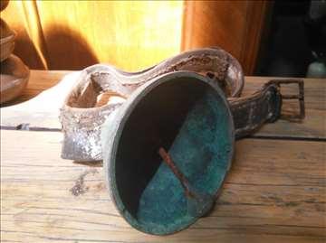 Staro zvono bronza