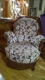 Bidermajer fotelja